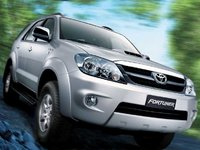 2006 Toyota Fortuner Overview