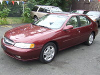 1999 Nissan Altima Overview