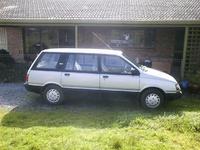 1990 Mitsubishi Vanwagon Overview