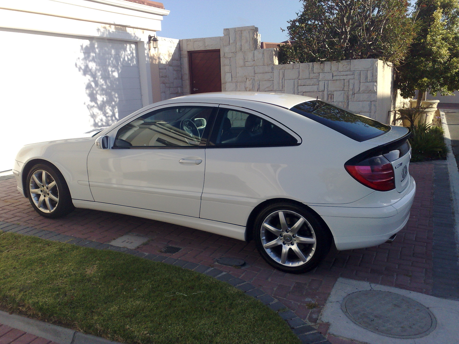 mercedes benz hatchback c230