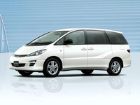 2004 Toyota Estima Overview