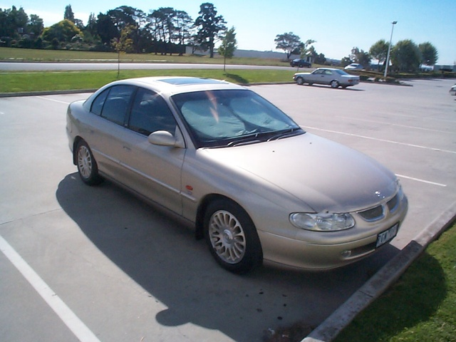 Picture of 1998 Holden Calais