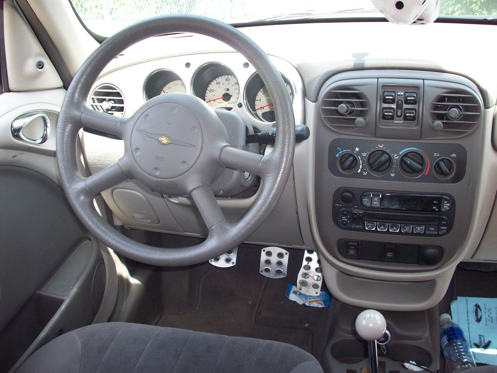 2002 chrysler pt cruiser - interior pictures