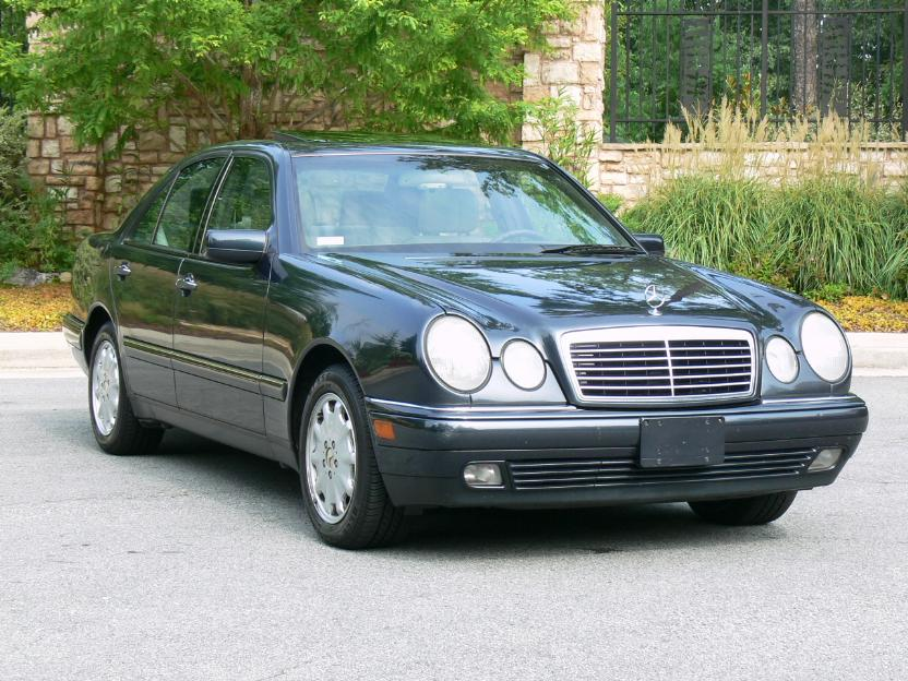 1999 Mercedes-Benz E300 4 Dr E300DT Turbodiesel Sedan picture