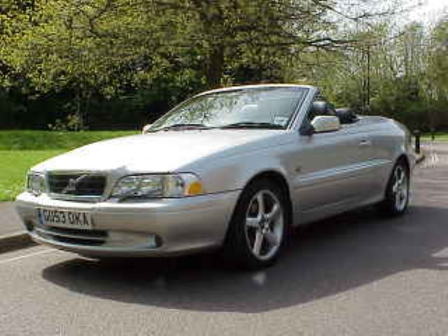2004 Volvo C70 2 Dr HPT Turbo Convertible picture