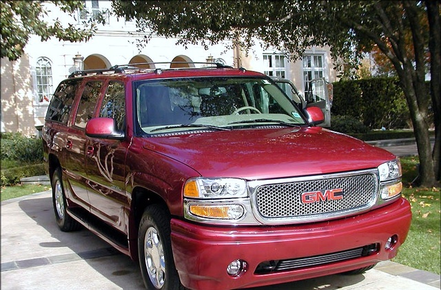 Picture of 2004 GMC Yukon XL Denali AWD