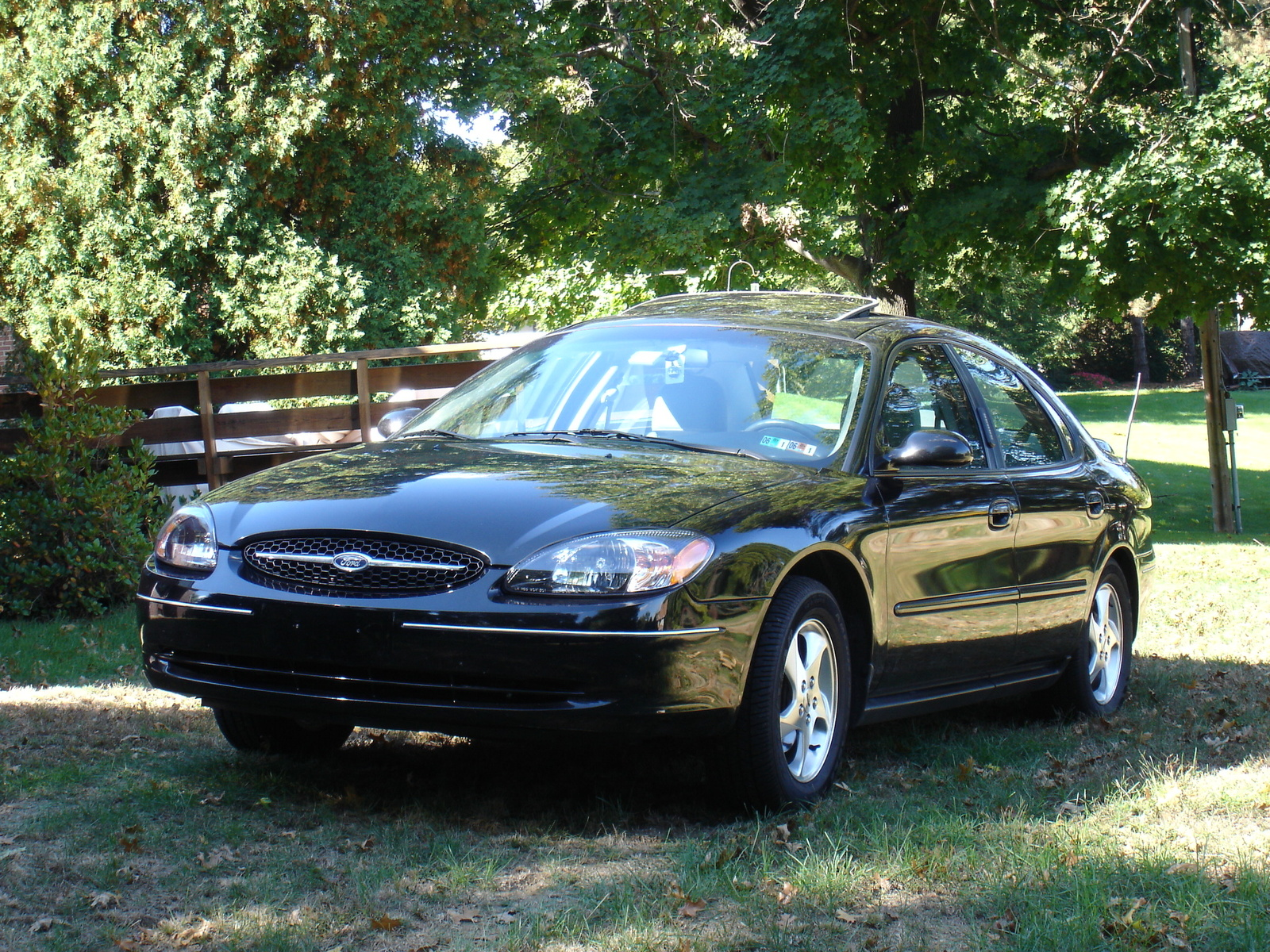 2001 ford taurus exterior pictures cargurus. Black Bedroom Furniture Sets. Home Design Ideas