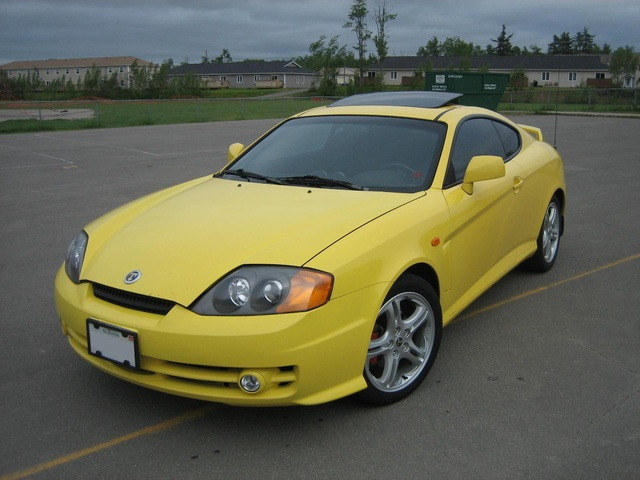 2004 hyundai tiburon pictures cargurus. Black Bedroom Furniture Sets. Home Design Ideas