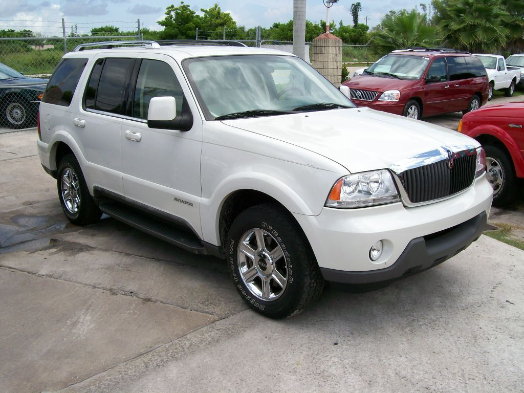 2004 Lincoln Aviator 4 Dr STD AWD SUV picture