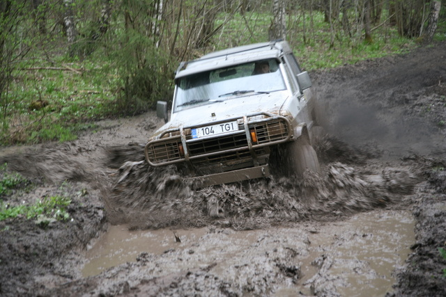 1984 Nissan Patrol, In action, exterior