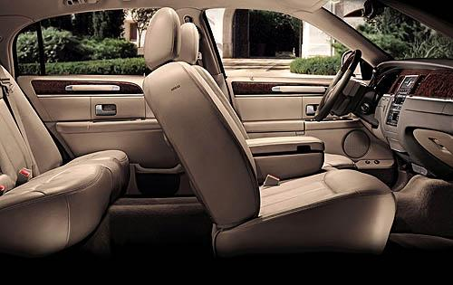 2009 lincoln town car interior pictures cargurus. Black Bedroom Furniture Sets. Home Design Ideas