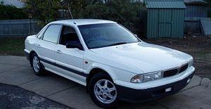 Picture of 1994 Mitsubishi Magna