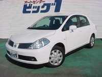 2005 Nissan Tiida Overview