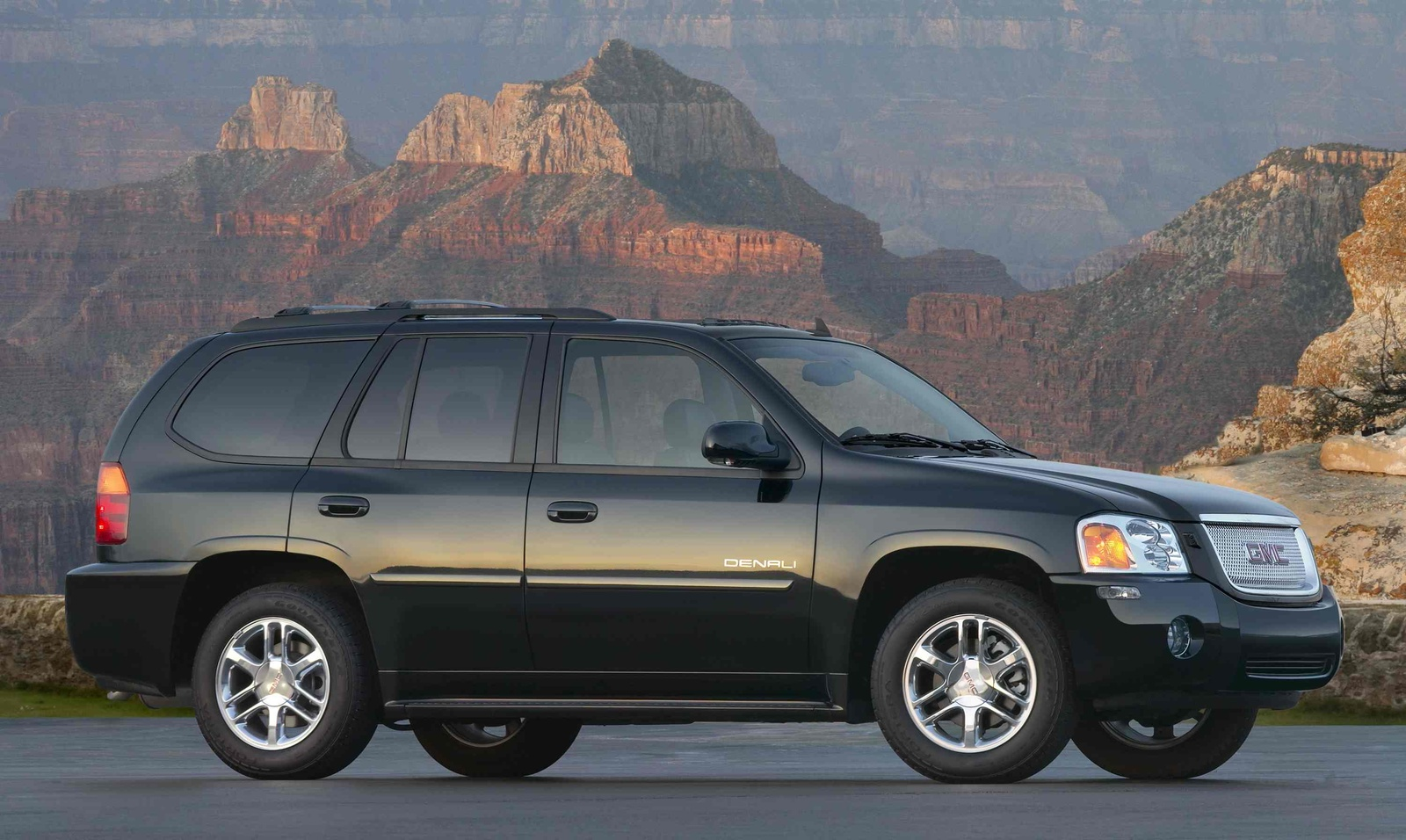 2009 GMC Envoy Denali, Right Side View, manufacturer, exterior