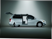 2009 Hyundai Entourage, Side Doors Open, manufacturer, exterior
