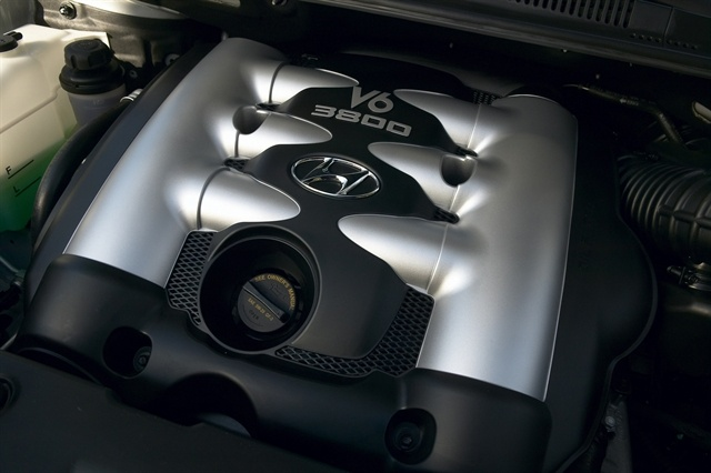 2009 Hyundai Entourage