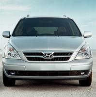 2009 Hyundai Entourage, Front View, exterior, manufacturer