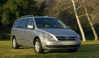 2009 Hyundai Entourage, Front Right Quarter View, exterior, manufacturer