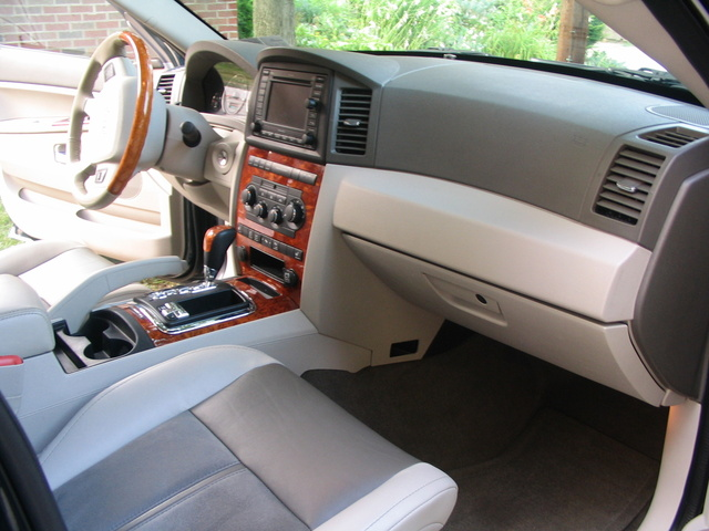 2006 jeep grand cherokee interior pictures cargurus. Black Bedroom Furniture Sets. Home Design Ideas