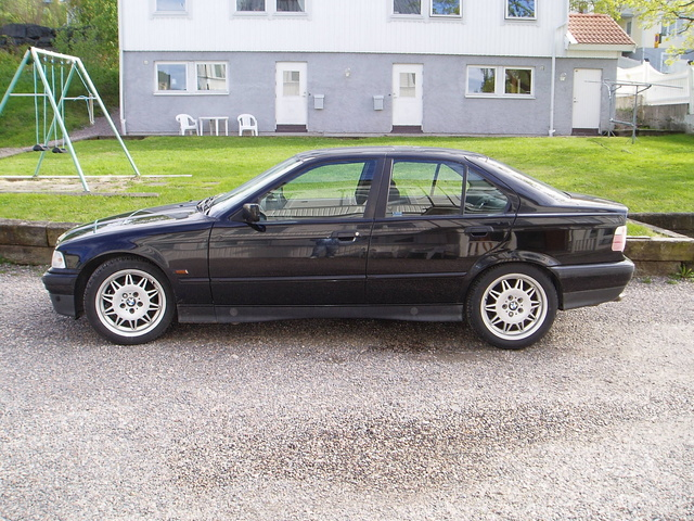 Picture of 1995 BMW 3 Series 325i Sedan RWD