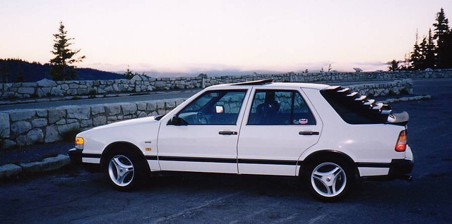 Picture of 1987 Saab 9000