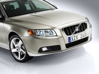 2009 Volvo V70, Front Right Quarter View, exterior, manufacturer