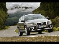2009 Volvo XC70, Front Right Quarter View, exterior, manufacturer