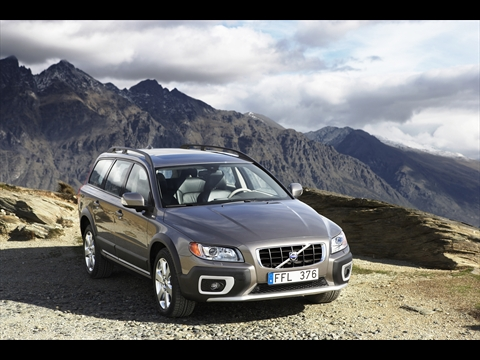 2009 Volvo XC70, Front Right Quarter View, manufacturer, exterior