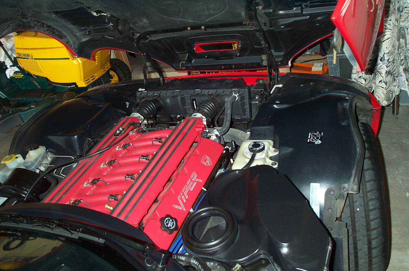 1997 Dodge Viper 2 Dr GTS Coupe picture, engine