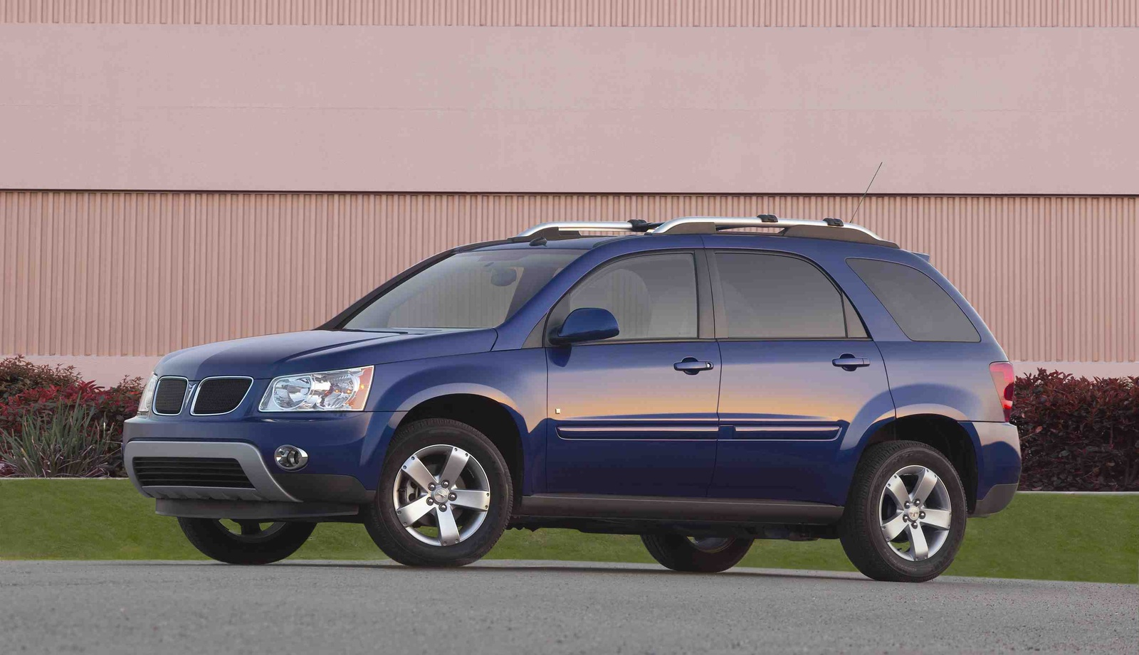 2009 Pontiac Torrent, Front Left Quarter View, manufacturer, exterior