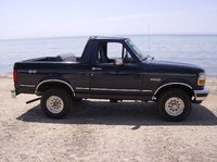 Picture of 1992 Ford Bronco XLT 4WD, exterior, gallery_worthy