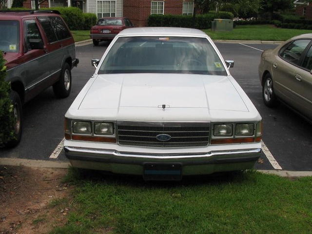 Picture of 1990 Ford LTD Crown Victoria 4 Dr LX Sedan, exterior, gallery_worthy