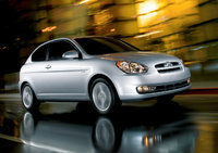 2009 Hyundai Accent, Front Right Quarter View, exterior, manufacturer, gallery_worthy