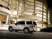 2009 Lincoln Navigator, Back Left Quarter View, exterior, manufacturer
