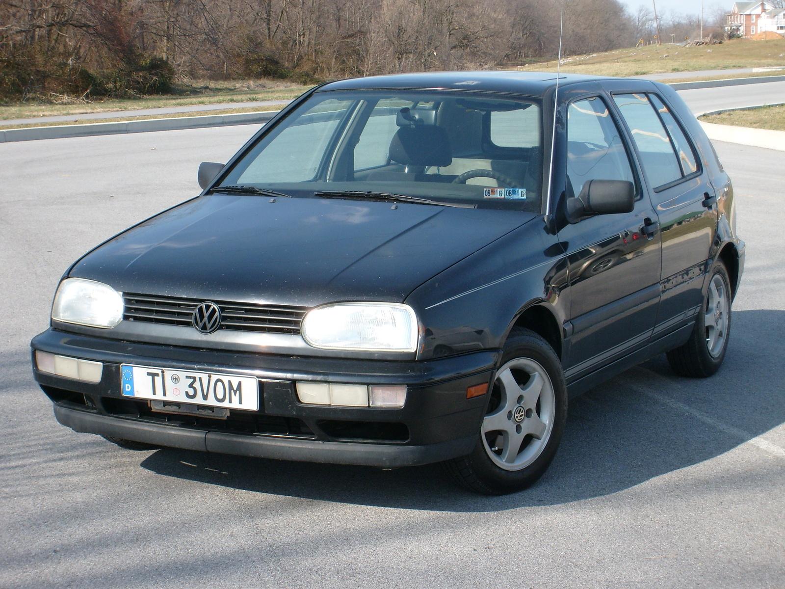 1998 vw jetta with 1996 Volkswagen Golf 4 Dr Gl Hatchback Pictures T23446 Pi21687206 on 8243943 as well 1996 Volkswagen Golf 4 Dr Gl Hatchback Pictures T23446 pi21687206 furthermore 080902 Pindex in addition Volkswagen Golf Iii Cabrio 1993 additionally Volkswagen Ventojetta 1992.