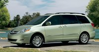 2009 Toyota Sienna Picture Gallery