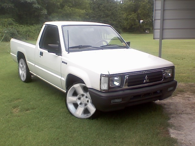 Picture of 1992 Mitsubishi Mighty Max Pickup 2 Dr STD Standard Cab SB, exterior