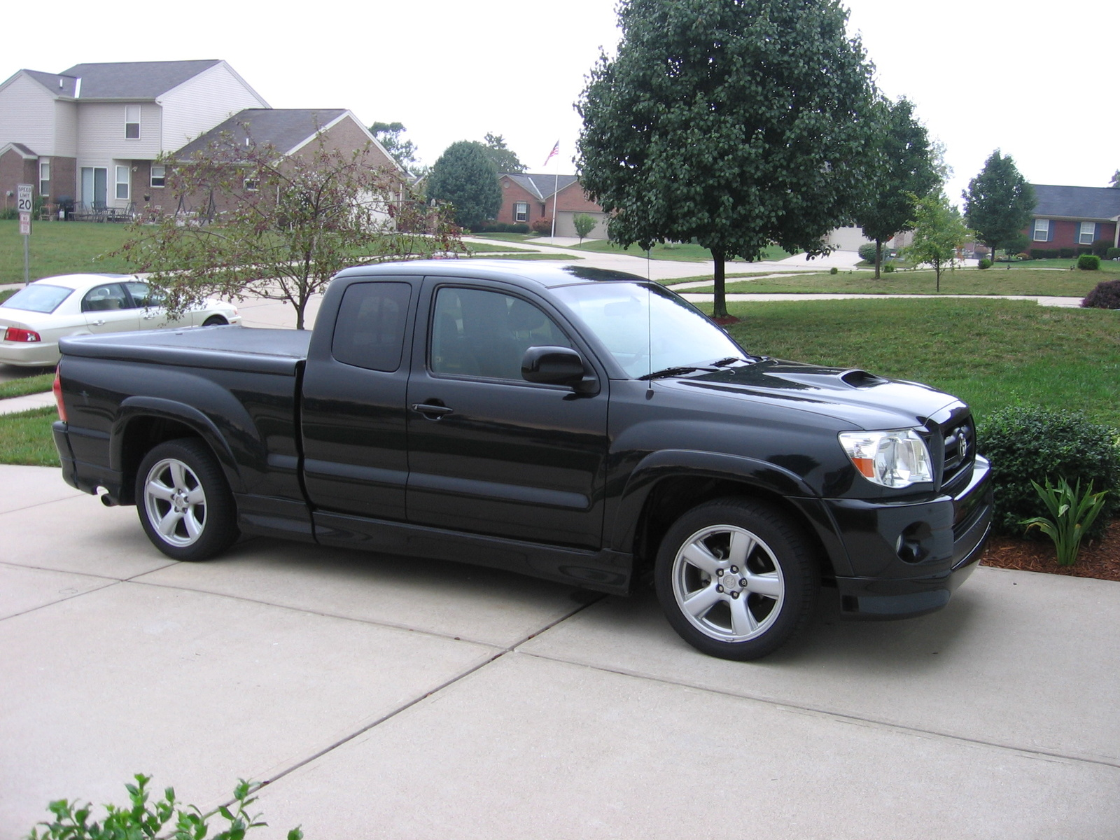 Opinions About Lowering My 06 Tacoma Prerunner