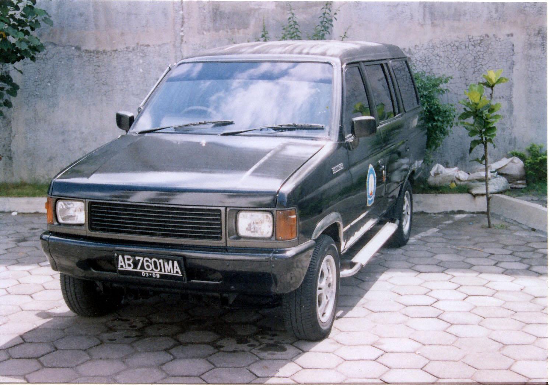 2002 Isuzu Panther