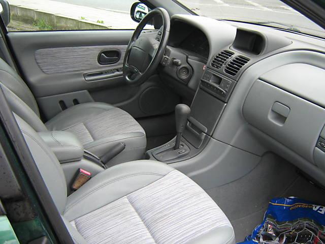 2000 Renault Laguna picture, interior
