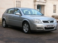 2004 Vauxhall Signum Overview