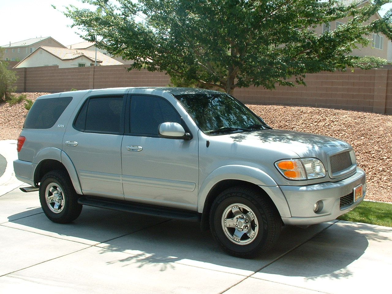 2004 Toyota Sequoia Limited 4WD picture