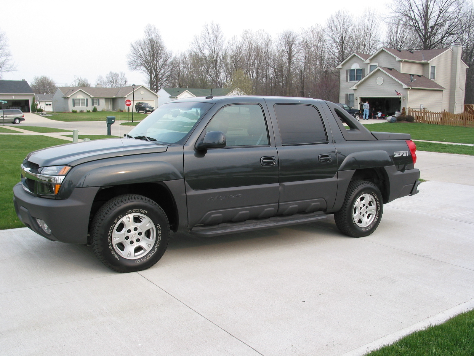 Picture of 2003 Chevrolet Avalanche 4 Dr 1500 4WD Crew Cab SB