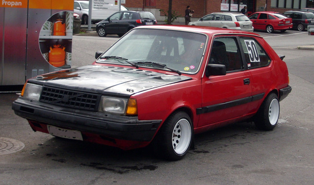 Picture of 1989 Volvo 340