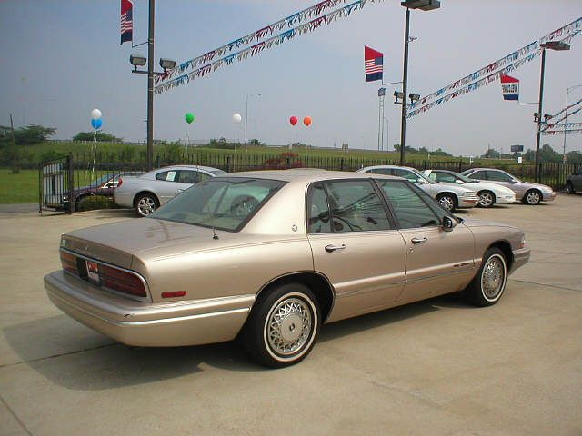 Picture of 1995 Buick Park Avenue