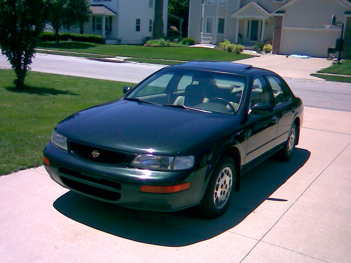 Picture of 1996 Nissan Maxima SE