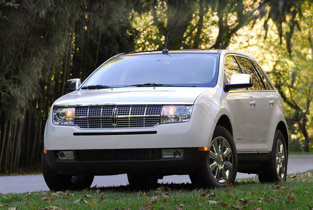 2009 Lincoln MKX, Front Left Quarter View, exterior, manufacturer