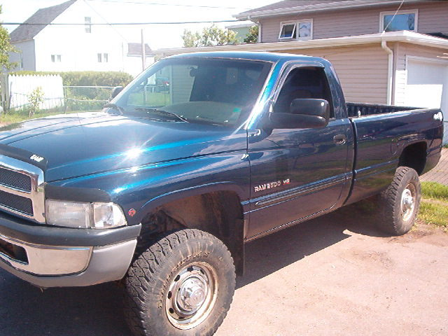 2001 Dodge Ram Pickup 2500 Regular Cab LB picture