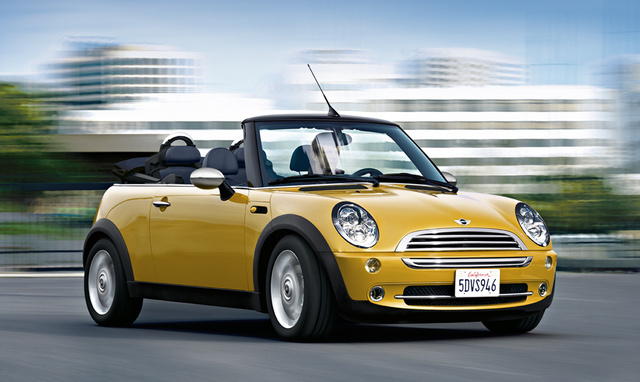2004 MINI Cooper Base, Front Right Quarter View, exterior, manufacturer