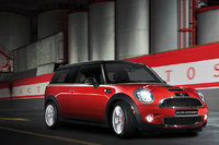 2009 MINI Cooper Clubman Base, Front Right Quarter View, exterior, manufacturer